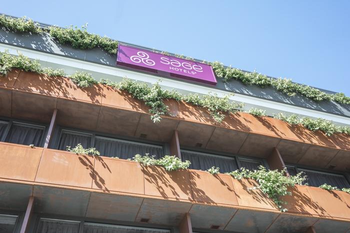 the-fashion-heist-sage-hotel-james-st-8433